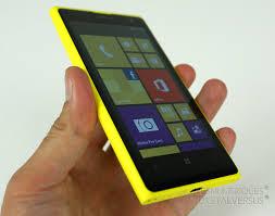 crédit photo:https://img1.lesnumeriques.com/test/83/8322/nokia-lumia-1020-hand-front.jpg